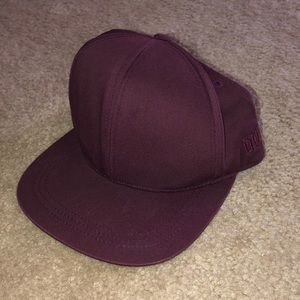 Lightly used H&M maroon hat.